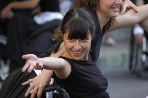 Danzatrice, donna con disabilità, foto di Luigi De Frenza