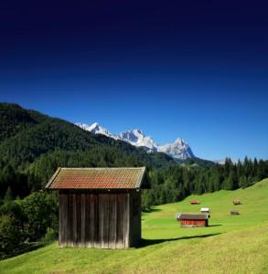 Baita in valle montana