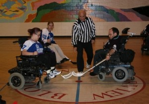 Un incontro di wheelchair hockey