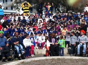 Foto di gruppo scattata in occasione di una manifestazione promossa dalla Sezione UILDM di Cicciano