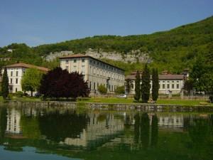 La bellissima cornice di Palazzo Beauharnais, a Pusiano (Como)