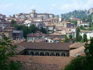 Bergamo Alta e il Convento di San Francesco (immagine tratta dal sito iterritoriparlanti.it)