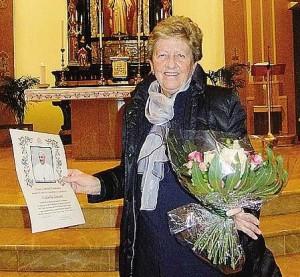 Luisella Anzani nel giorno dei festeggiamenti in suo onore, a Lora (Como)