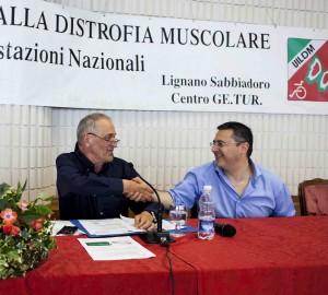 Da sinistra, il presidente nazionale UILDM Luigi Querini con il presidente della FISH, Vincenzo Falabella (Manifestazioni Nazionali UILDM 2014, Lignano Sabbiadoro)