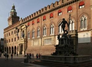 Piazza Maggiore, Palazzo d'Accursio (Bologna)