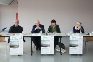"""Il tavolo dei relatori intervenuti al seminario """"Vivere… il dopo di noi"""". A partire da sinistra: Angelo Giuntinelli, Renzo Macelloni, Miriam Celoni e Rosa Fontani."""